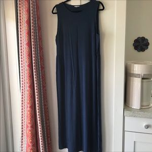 🎈J. Jill Navy Sleeveless Maxi Dress
